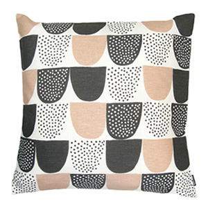 sokeri_pink_cushion_300x300