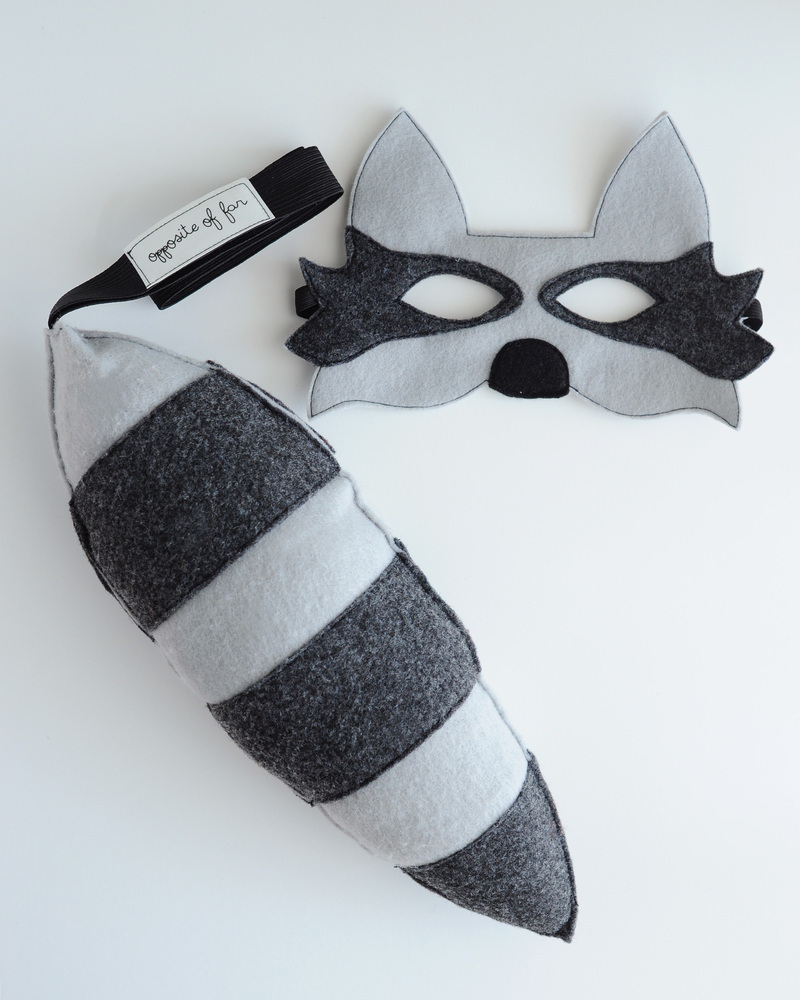 Opposite_of_Far_Raccoon_Mask_Tail_Set