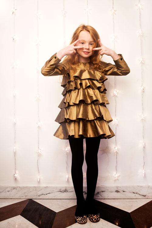 How to Dress Up That Little Black Dress - AccessorizeAdd migom-zaim.ga the right migom-zaim.ga jewelry to brighten up the little black migom-zaim.ga a belt to the black migom-zaim.ga a scarf. (3 more items).